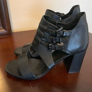 Worn in good condition Zara Shoes size 38